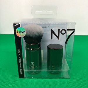 BOOTS No7 Rectractable BRONZER BRUSH